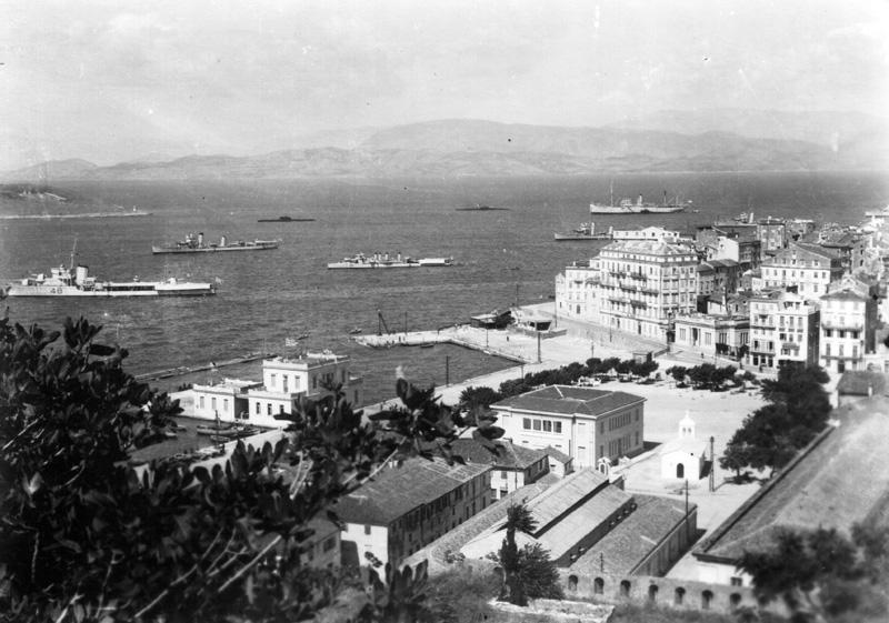 Στην Κέρκυρα το Καλοκαίρι 1933