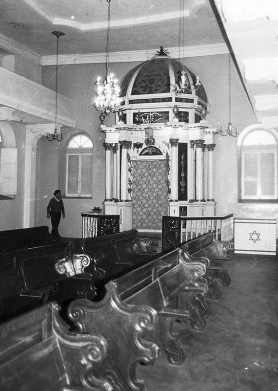 Ελληνική Συναγωγή Κέρκυρας: το «Εχάλ» όπου φυλάσσονται τα ιερά βιβλία (1980)