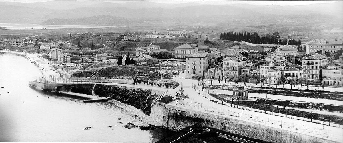 Αρχές 20ου αιώνα: Το νότιο τμήμα της πόλης. Διακρίνεται στο κέντρο το Σωφρονιστήριο