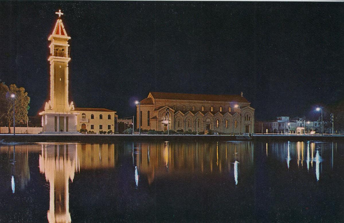 Η εκκλησία του Αγίου Διονυσίου κάποιο ήρεμο βραδυνό.